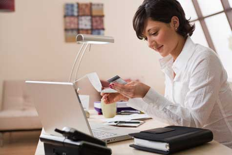 Majority of female small business owners finance with credit cards female business owner with credit card colourmoves